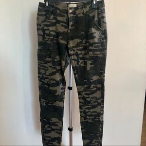 Camo Skinny Jeans Low-Waisted